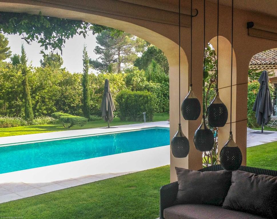 Jardin piscine cr ateur de jardins for Paysager son jardin